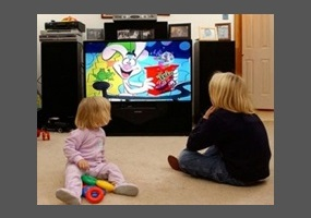 a research on the influence of television on the behavior of children Children who consistently spend more than 4 hours per day watching tv are more likely to be overweight kids who view violent acts on tv are more likely to show aggressive behavior, and to fear that the world is scary and that something bad will happen to them.