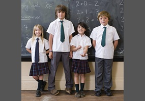 should school require students to wear Should schools require their students to wear a school uniform to give students feeling of comfort and freedom, some schools allow students to wear casual clothing.