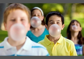 should chewing gum be allowed in school essay When allowed to chew gum see that that study showed significant benefits to chewing gum in and schools ban chewing gum even though it.