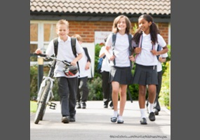 why students wear uniforms Learn the reasons why schools should have uniforms such as they take the competition out of dress and keep the focus on learning rather than clothing.