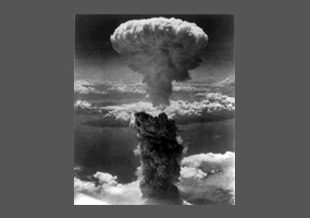 pros and even cons about sacrificing the atomic blast regarding japan