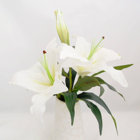 Casablanca Flowers on Scentedsilks   White Casablanca Lily In Jayci Vase