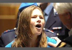 Is amanda knox guilty debate is amanda knox guilty ccuart Gallery