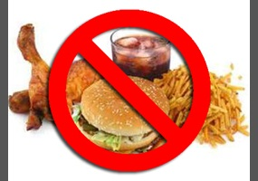 should junk food be banned in school canteens Hence, schools should continue selling junk food as it has become an important source of income that financially supports the development of education in schools in conclusion, the sale of junk food in school canteens should not be prohibited due to the fact that the ban is ineffective to curb the overweight issues among australian children.