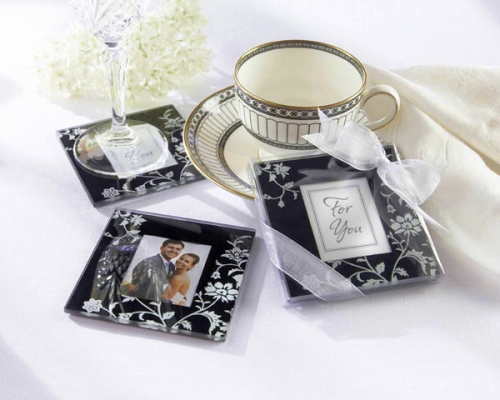 black and white wedding reception decor. These lack and white coaster